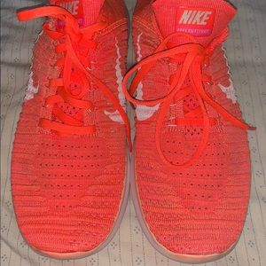 Nike fly knit sneakers size 10.5